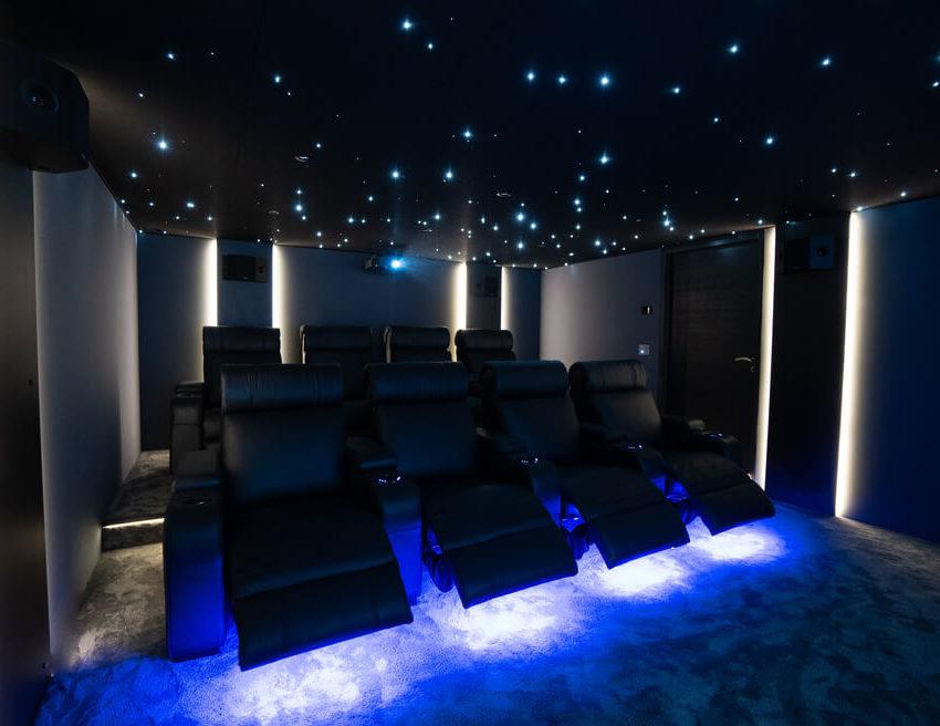 salle de cinéma privée Multizone - Cover projet Agence de communication Coq Noir