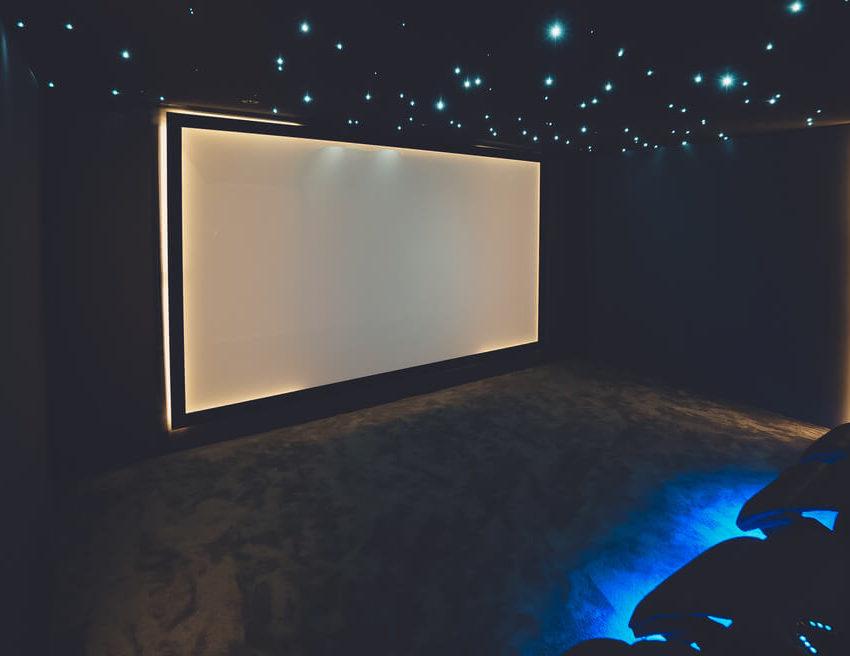 écran salle de cinéma privé Multizone - Cover projet Agence de communication Coq Noir